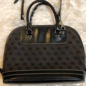 Vintage Dooney & Bourke handbag 🌹🌹🌹